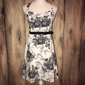 CITY TRIANGLES B&W DRESS SIZE 9